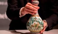 Dọn nhà, tìm thấy bình gốm nhà Thanh hơn nửa triệu USD