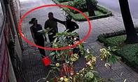 Bắt được tên cướp giật dây chuyền của nhân viên lãnh sự quán Nga