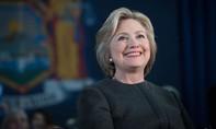 Hillary Clinton 'úp mở' chuyện trở thành CEO Facebook