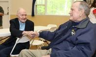 Cựu tổng thống Bush cha tiếp tục nhập viện
