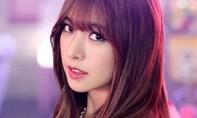 Nữ ca sĩ Hàn tiết lộ bị ép ăn mặc hở hang 'hầu rượu' đại gia