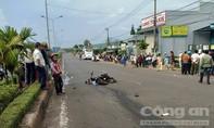 Thanh niên bị xe khách tông tử vong khi sang đường
