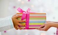 29 cán bộ nộp lại 528 triệu đồng quà tặng