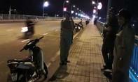Thanh niên bỏ lại xe máy nhảy cầu Hóa An trong đêm