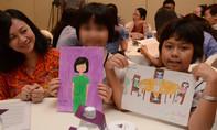 Từng bị mẹ bạo hành, cô bé 9 tuổi ước thành nữ công an để cứu trẻ em