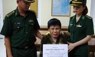 Một phụ nữ vận chuyển 4.800 viên ma túy