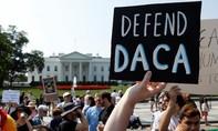 Mỹ cho phép 522 trẻ em nhập cư đoàn tụ với bố mẹ