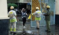 CSGT TP.HCM tặng áo mưa cho thí sinh và phụ huynh