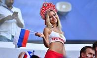 Sao phim người lớn Nga tiếp tục xuất hiện trong trận Nga - Uruguay