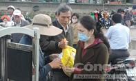 2.000 du khách kẹt lại trên đảo Lý Sơn do thời tiết xấu
