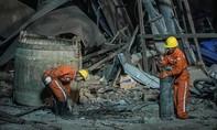 Nổ mỏ quặng sắt, ít nhất 20 người thương vong