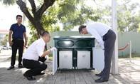 Tặng 256 thùng rác để chung tay bảo vệ môi trường quận 7