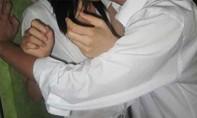 Thanh niên bị tạm giam vì rủ bạn gái 14 tuổi 'ăn trái cấm'