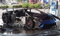 Siêu xe Lamborghini cháy 'trơ khung' tại trạm xăng
