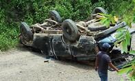 Vụ lật xe gỗ lậu 2 người chết: Đình chỉ 4 cán bộ quản lý bảo vệ rừng