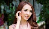 Thu Trang nhận nút vàng Youtube