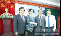 PGS.TS Nguyễn Ngọc Điện nhận Huân chương Cành cọ Hàn lâm Pháp