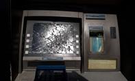 Dùng xà beng phá trụ ATM ở Sài Gòn trộm tiền