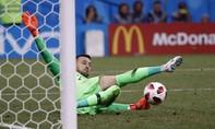 Croatia vào tứ kết sau loạt đấu súng đầy kịch tính