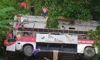 Người thương vong trong vụ xe khách lao vực đã lên con số 19