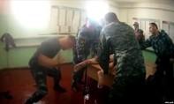 Nga bắt nhóm cai ngục tra tấn tàn nhẫn tù nhân
