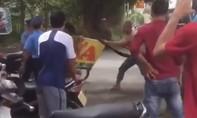 Sự thật clip thanh niên múa đao uy hiếp thanh tra giao thông