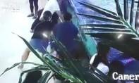 Bé gái 6 tuổi bị cá mập ở khu trung tâm mua sắm cắn nát bàn tay