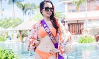 Phan Thị Mơ diện bikini dạo biển, khoe vòng eo 57