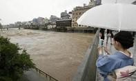 Mưa lũ lớn ở Nhật, 2 người chết và hàng chục người bị thương
