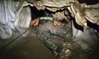 Lượng oxy trong hang nơi đội bóng nhí Thái Lan mắc kẹt đang xuống thấp
