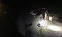 Xe máy tông trực diện xe tải, 2 người thương vong