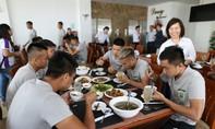 CLB TP.Hồ Chí Minh được bác sĩ NutiFood tư vấn dinh dưỡng