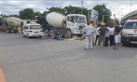 Hai xe máy va chạm, một phụ nữ bị xe bồn cán tử vong