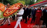 Trang trọng Lễ kỷ niệm 130 năm ngày sinh Chủ tịch Tôn Đức Thắng