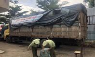 Chặn 14 tấn quần áo cũ nhập lậu vào Việt Nam