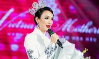 Hoa hậu Ngọc Diễm khóc trong đêm kỷ niệm 10 năm đăng quang