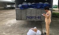 CSGT bắt hơn tấn thực phẩm hôi thối