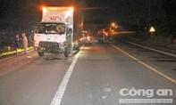 Xe máy tông trực diện xe tải, 2 thanh niên tử nạn