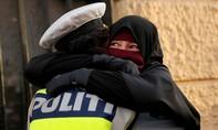 Đan Mạch: Một người phụ nữ bị phạt vì mang mạng che mặt