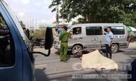 """""""Xế hộp"""" tông nát xe máy ở Sài Gòn, một người tử vong"""