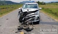 Xe máy 'đối đầu' taxi, nam thanh niên thiệt mạng