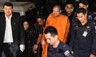 Nhà sư Thái Lan xài đồ hiệu, đi chuyên cơ riêng lãnh 114 năm tù