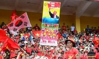 Sắc đỏ tràn ngập cổ vũ Olympic Việt Nam giành huy chương đồng