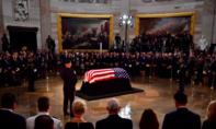 Lưỡng đảng gạt bất đồng tham dự tang lễ của John McCain