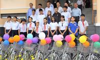 Trao học bổng tặng học sinh đồng bào thiểu số quận 8