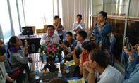 Một số phụ huynh đến Sở GD&ĐT Tiền Giang kiến nghị về chương trình Tiếng Việt 1