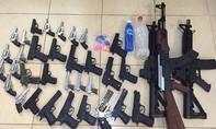 """Xóa """"kho"""" súng bắn đạn bi phân phối đi nhiều tỉnh"""