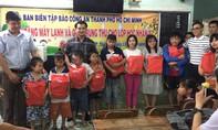 Tặng quà Trung thu cho lớp học Nhân ái ở Tây Ninh