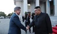 Lãnh đạo Hàn – Triều bước vào hội đàm một đối một