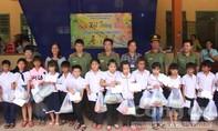 Tặng quà Trung thu cho học sinh vượt khó tỉnh Bình Phước